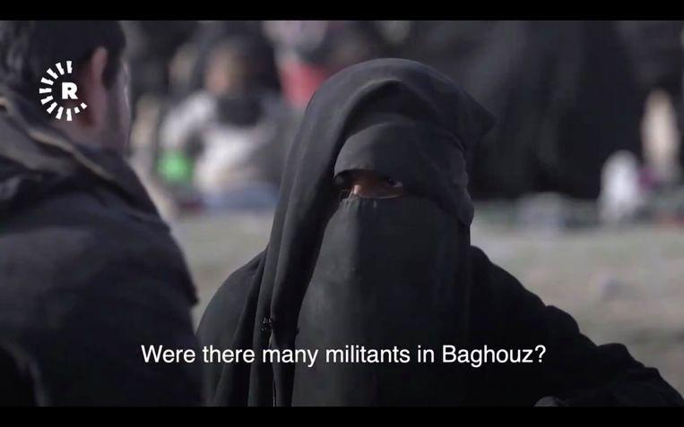 Er wordt vermoed dat deze vrouw Yusra El Maliji (28) is.'IS zit in ons hart.Zelfs als ze ons allemaal ombrengen, blijft die liefde overeind', zei ze. Beeld Rudaw English