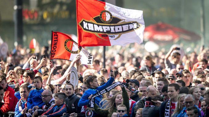 Feyenoord-fans zeggen dat ze Belg zijn en geraken zo aan ticket voor CL-duel bij Napoli (ondanks verbod)