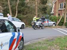 Joyrider (15) botst met auto tegen boom in Rijssen, en krijgt een boete