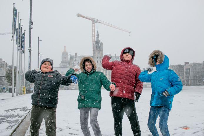 Sneeuw op de grote markt.