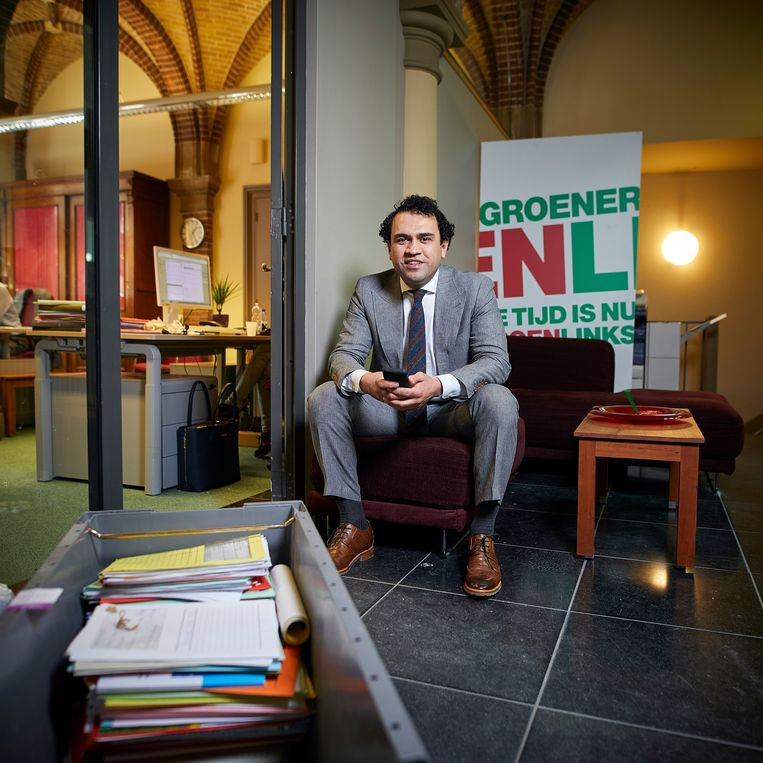 Zihni Özdil: 'Ik lever kritiek omdat ik van Nederland houd.' Beeld Phil Nijhuis