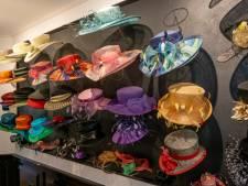 Hoed is weer hot. Ontwerpster Hanny Mallekote: 'Jongeren dragen meer hoeden. Het straatbeeld fleurt ervan op'