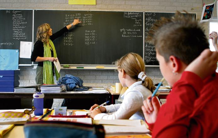 Niet alle leerlingen uit groep 8 halen het rekenniveau dat nodig is om mee te kunnen komen op de middelbare school.