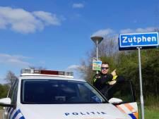 Kevin Wiggers, nieuwe jeugdagent in Zutphen én op Instagram: 'Vroeger speelden ze op straat, nu zitten ze achter hun telefoon'