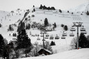 Lege skiliften in het Franse skigebied Le Grand Bornand. Dat blijft ook zo na 1 februari.