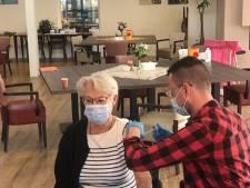 Verzorgingshuis vaccineert alle ouderen in één keer: 'Je kunt deze mensen niet naar Houten sturen'