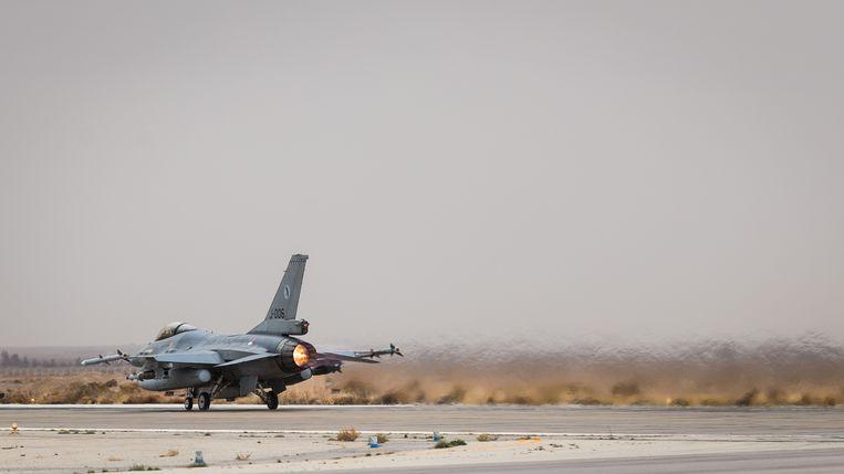 Een F-1s op het Nederlandse detachement in Jordanië, voor vertrek van de eerste operationele vlucht boven Irak en Oost-Syrië.