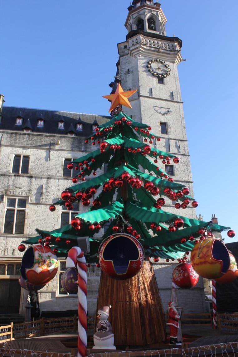 Sapin Magique op de Grote Markt van Aalst.