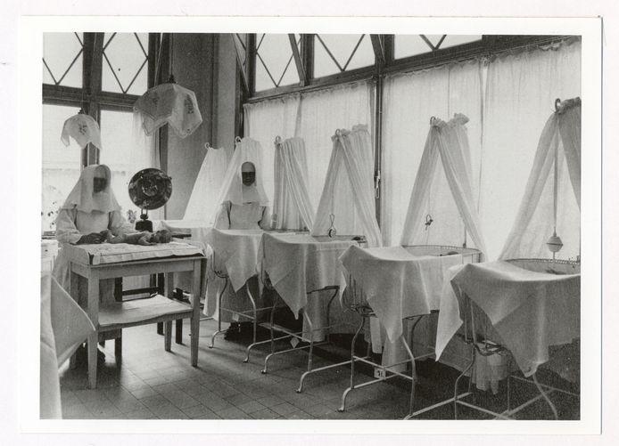 Kraamkliniek Moederheil waar duizenden moeders in de vorige eeuw gedwongen werden hun kind ter adoptie af te staan.