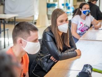 """Vrij CLB Limburg verwacht 'code oranje light' voor scholen: wel open, geen extra activiteiten. """"Volledig naar oranje vergroot kloof tussen kansarm en -rijk"""""""
