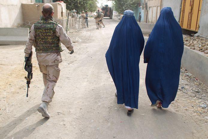 Nederlandse militairen waren onder meer actief in Kunduz om daar politieagenten op te leiden.