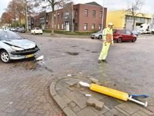 Auto tweemaal over de kop bij botsing Eindhoven
