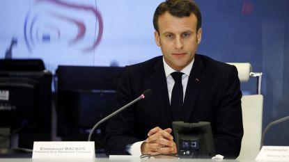"""Crisisvergadering na gewelddadige rellen in Parijs: president Macron wil """"harde beslissingen"""" om zelfde scenario in toekomst te voorkomen"""