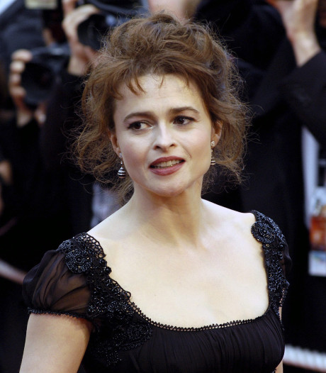 Helena Bonham-Carter naar paragnost voor rol The Crown