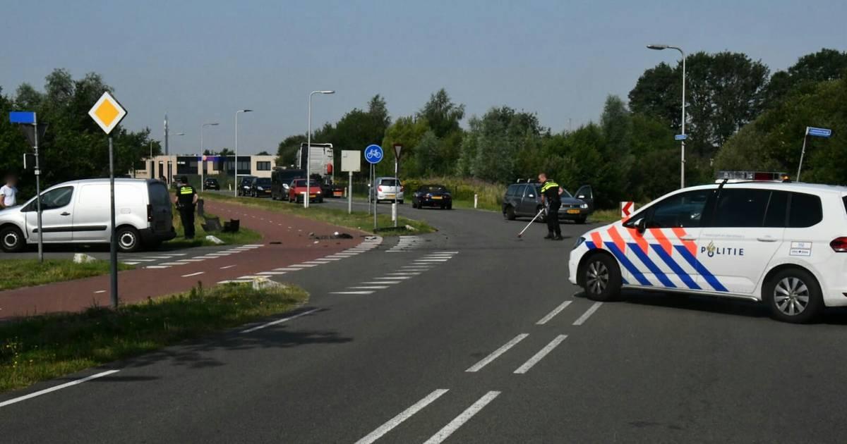 Automobilist gewond bij aanrijding in Enschede.