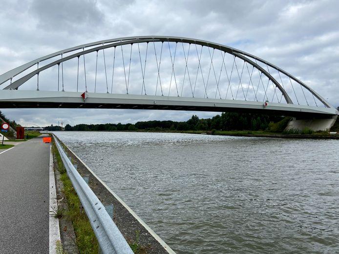 De huidige brug van Viersel over het Albertkanaal