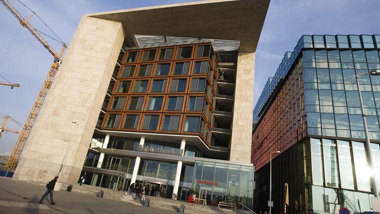De finale van de poëziewedstrijd vindt plaats bij de OBA in Amsterdam. Beeld ANP