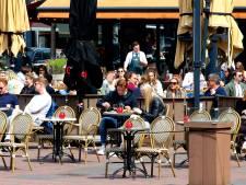 VVD en D66 boos over uitblijven terrassubsidie: 220.000 euro toegezegd, nog geen cent uitgekeerd