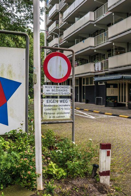 Zilvervisjes in bed en seksende stelletjes op de parkeerplaats: 55-plussers zijn overlast Lozerlaan zat