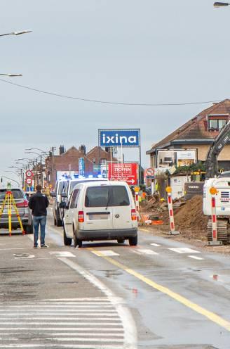 """Jongetje (12) kritiek na aanrijding op zebrapad: """"Door die wegenwerken is het hier levensgevaarlijk voor voetgangers"""""""
