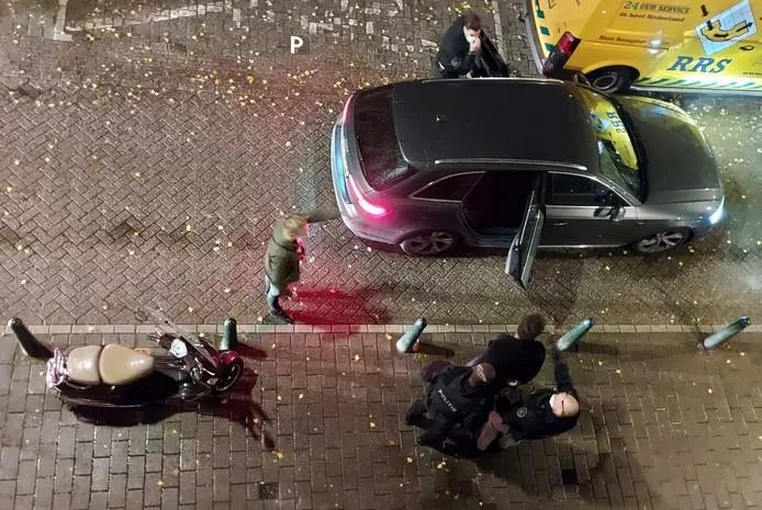 Het moment dat Kevin K. wordt aangehouden in Den Haag.