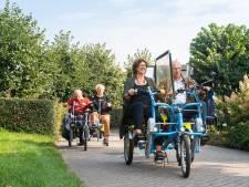 Dankzij de duofiets kunnen ouderen toch lekker naar buiten: 'We krijgen alleen maar enthousiaste reacties'