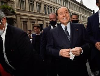 Italiaanse oud-premier Berlusconi vrijgesproken van omkoping getuigen