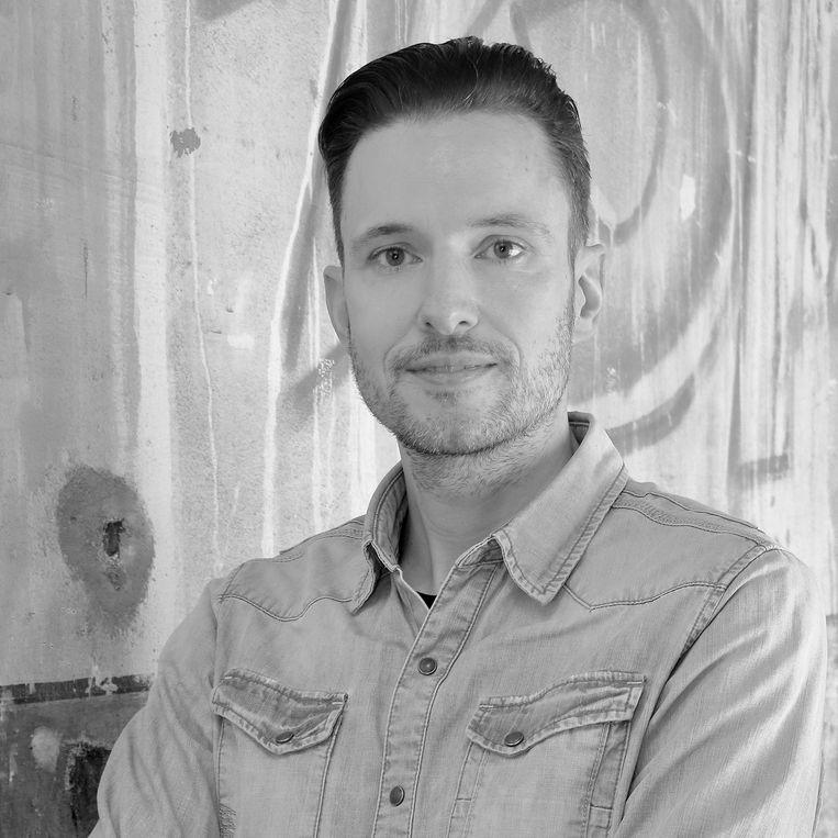 Pascal Cuijpers is docent voortgezet onderwijs, publicist en auteur.   Beeld