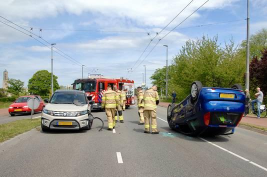 De situatie kort na het ongeluk in Arnhem.