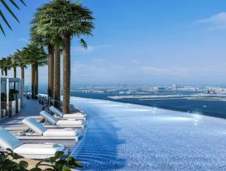 Baantjes trekken kan nu op recordhoogte in infinity pool op dak van wolkenkrabber in Dubai