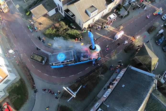 De bus van TS Events tijdens de optocht.