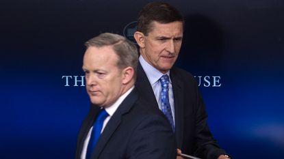"""Trump vraagt zich na ontslag Flynn af waar """"illegale perslekken"""" vandaan komen"""