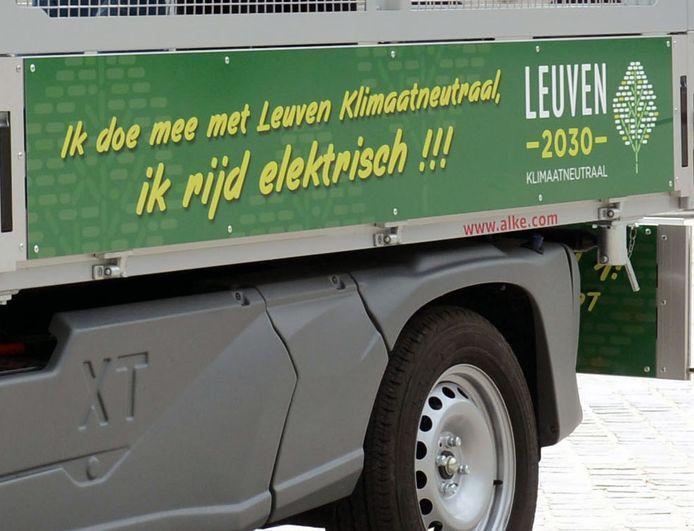 Het Leuvense stadsbestuur wil het goede voorbeeld geven en gaat resoluut voor elektrisch vervoer.
