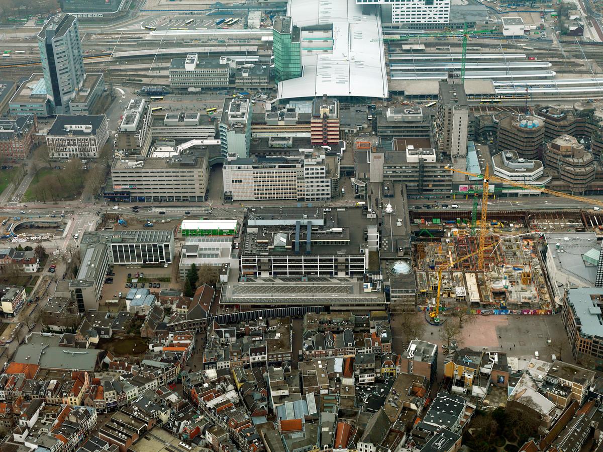 Het Utrechtse stationsgebied met flinke kantoorpanden in 2019: het jaar dat er nog enorme vraag was naar kantoorruimte.