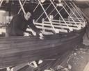 Dré Veelenturf in zijn jongere jaren aan het werk