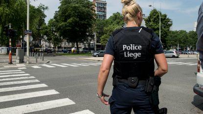 Auto rijdt bij vluchtpoging in op agent in Luik en knalt tegen tiental wagens