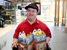 Populairste werknemer van McDonald's met pensioen: 'Hij is een grote inspiratiebron'