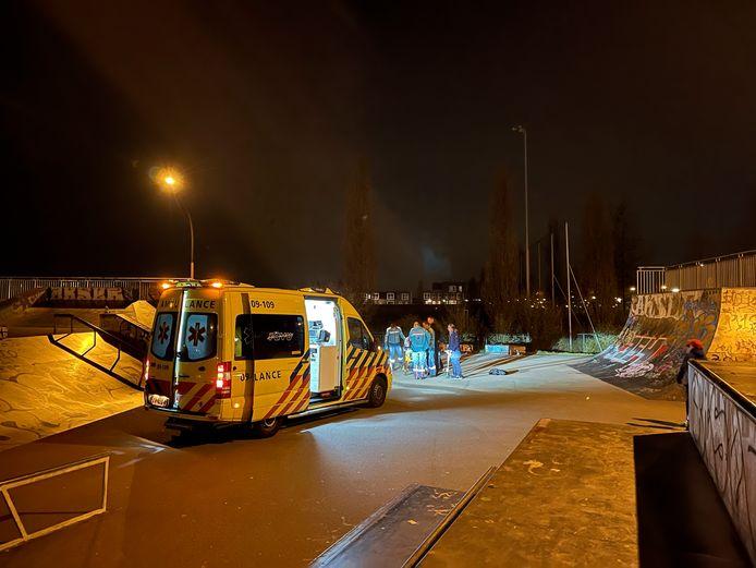 Het slachtoffer werd door ambulancepersoneel gestabiliseerd en naar het ziekenhuis gebracht.