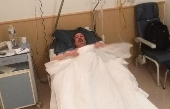 """Philip Soubry moet het in zijn ziekenhuiskamer stellen zonder veel luxe: 'Ik probeer zoveel mogelijk te rusten"""""""
