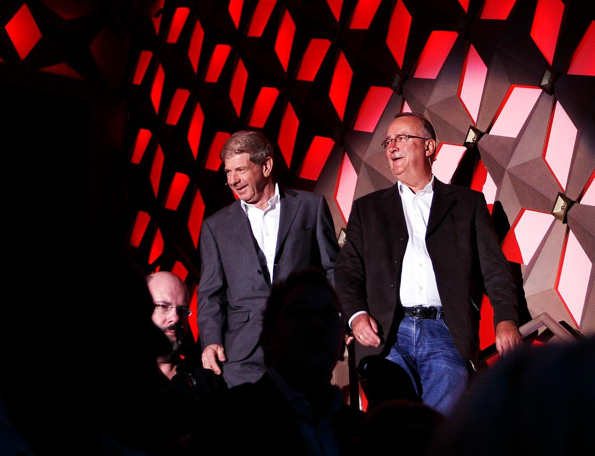 Het vroegere presentatieduo Frits Barend (links) en Henk van Dorp.