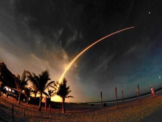 Atlas-draagraket zet twee satellieten af in baan om aarde