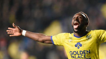 VIDEO. Boli schiet met hattrick STVV steviger in top zes, play-off 1 verre droom voor Charleroi