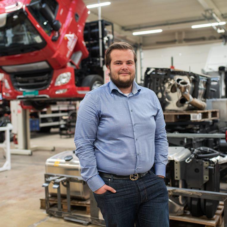 Max Holthausen in de productiehal van het bedrijf.  Beeld Sabine van Wechem