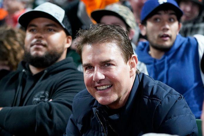 Tom Cruise est apparu méconnaissable lors d'un match de baseball entre les Giants de San Francisco et les Dodgers de Los Angeles ce samedi 9 octobre à Los Angeles.