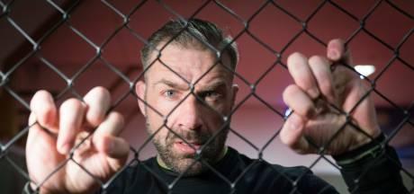 MMA-vechter Dion 'de Soldier' Staring neemt afscheid met kooigevecht bij Battle of Arnhem
