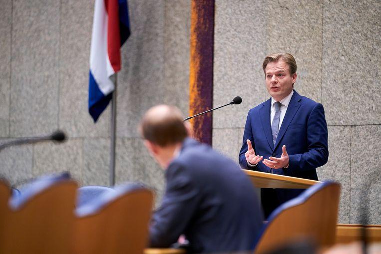Pieter Omtzigt in debat met staatssecretaris Menno Snel van financiën, eerder deze maand. Beeld Phil Nijhuis