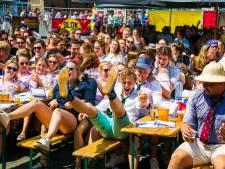 Honderden studenten zingen (en drinken) zondag op de Markt tijdens tweede editie van SLOK
