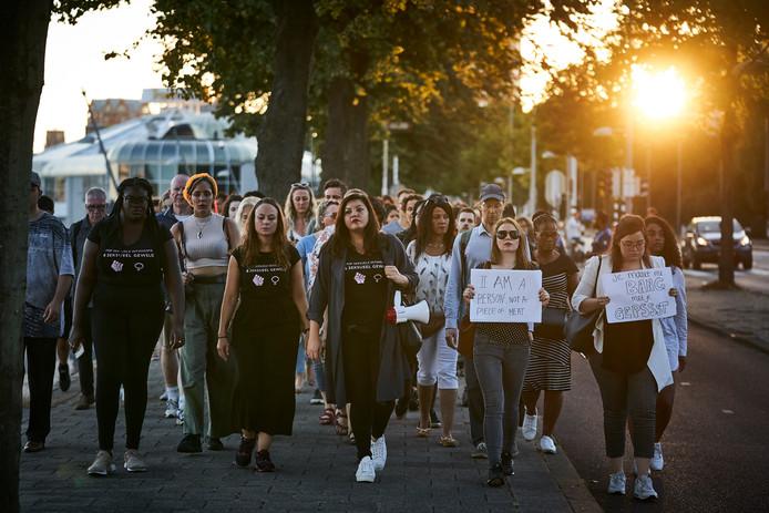 Deze zomer liepen honderden mensen lopen mee met de stille tocht voor het slachtoffer van de brute verkrachting in De Esch. Foto ter illustratie.