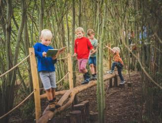 Zwijntjesbos krijgt avonturenpad voor kleuters: kleine spoorzoekers in een speelbos