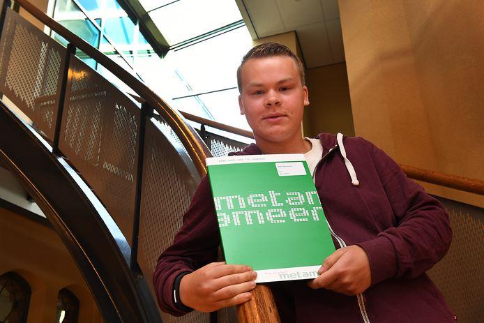 De Korenaer-scholier Nick Thomassen is trots op zijn diploma van Metameer.